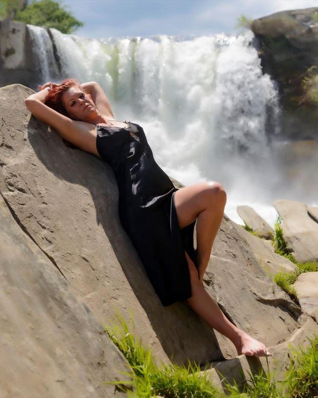 she falls lingerie photo by model tigg