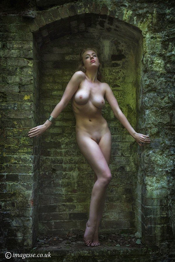 she moves in mysterious ways Artistic Nude Photo by Photographer imagesse