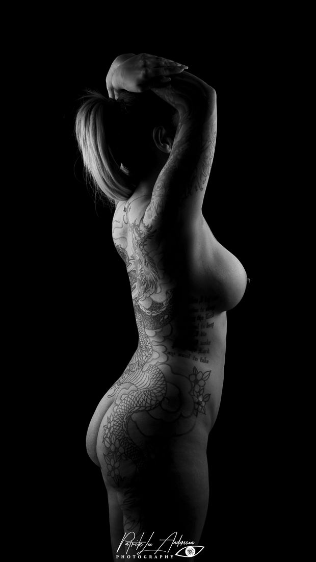 showing off artistic nude photo by photographer patrik andersson