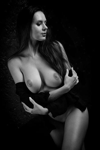 sideways twisted artistic nude artwork by photographer j%C3%BCrgen weis