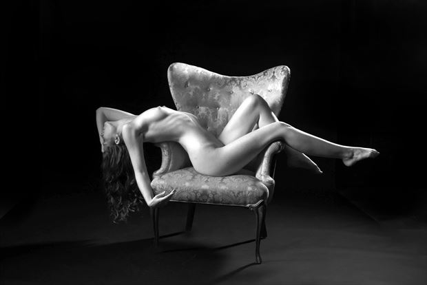 sienna 101 artistic nude photo by photographer linda hollinger
