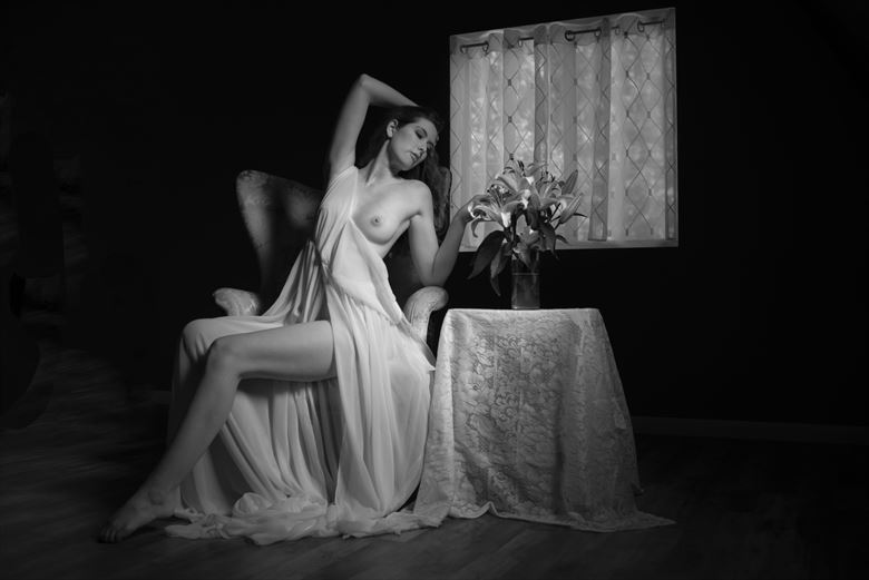 sienna 103 artistic nude photo by photographer linda hollinger