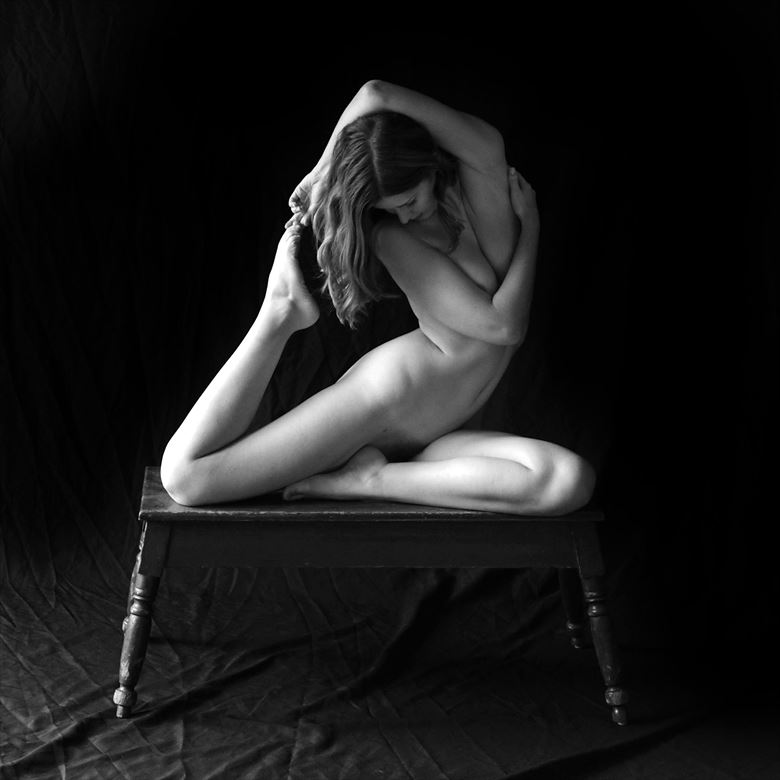sienna 112 artistic nude photo by photographer linda hollinger