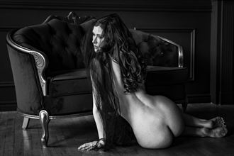 sienna black white sensual photo by photographer tgabrukiewicz