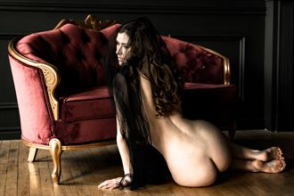 sienna color artistic nude photo by photographer tgabrukiewicz