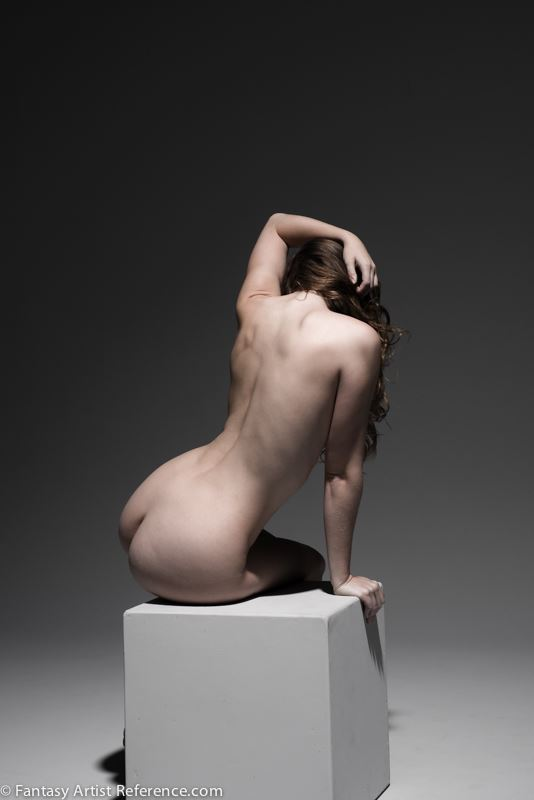 sienna sitting under hard light artistic nude photo by photographer xenophoto
