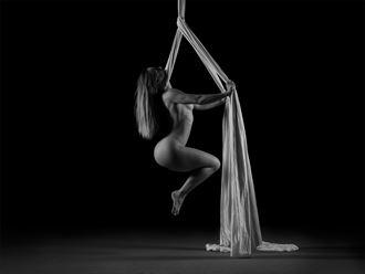 silks studio lighting photo by photographer colinjenkins