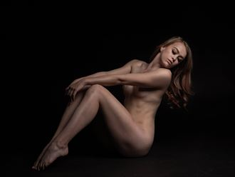 simple beauty artistic nude photo by photographer eric upside brown