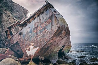 siren of the sea natural light photo by model selkie
