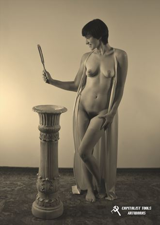 sirena with mirror artistic nude photo by photographer capitalist tools