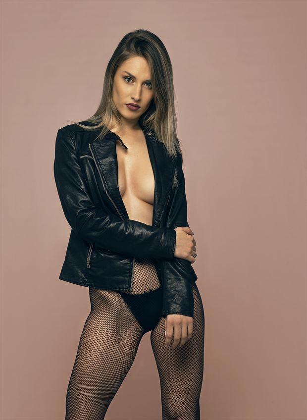 skin lingerie photo by photographer cr%C3%B3nicas studio