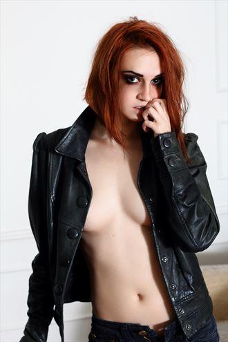 skin sensual photo by photographer akt photoart