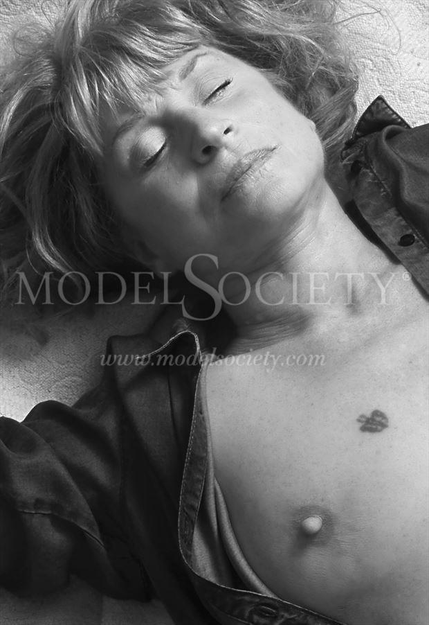 sleeping close up photo by photographer studiovi2