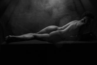 smouldering artistic nude photo by photographer paul archer