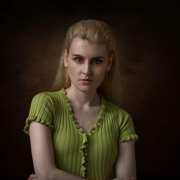 soft light portrait studio lighting photo by photographer photorp