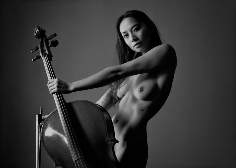 solo in e artistic nude photo by photographer nostromo images