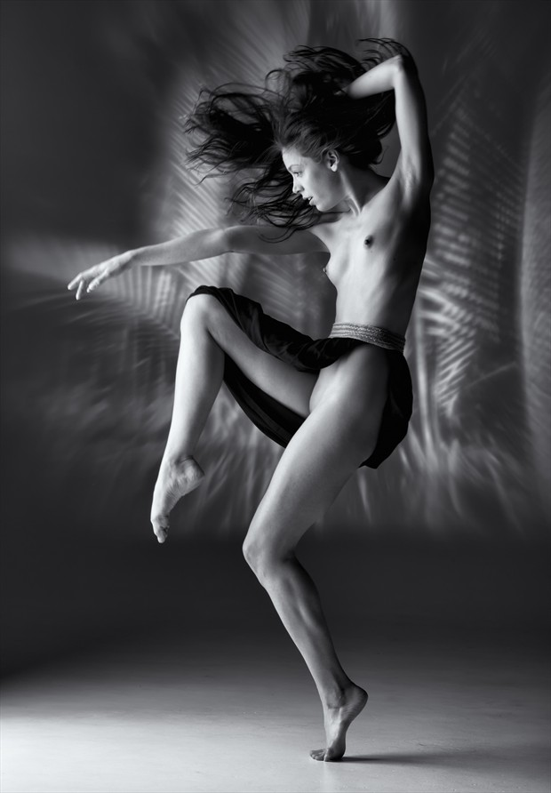 sound of movement 1 Artistic Nude Photo by Photographer BenErnst