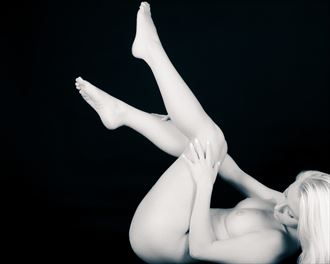 sp 23b artistic nude photo by photographer servophoto