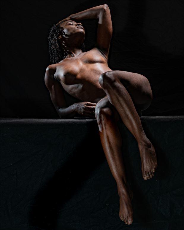 spotlight artistic nude photo by photographer len cook