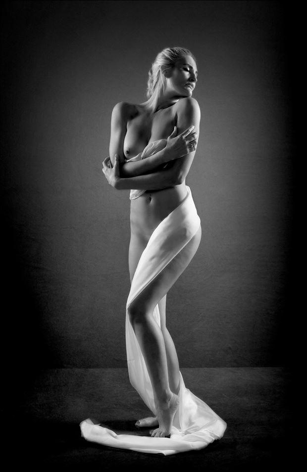 statuesque 2 artistic nude photo by photographer colin dixon
