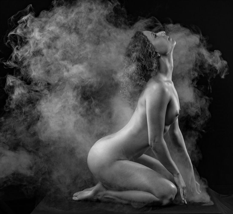 steaming artistic nude photo by photographer gpstack