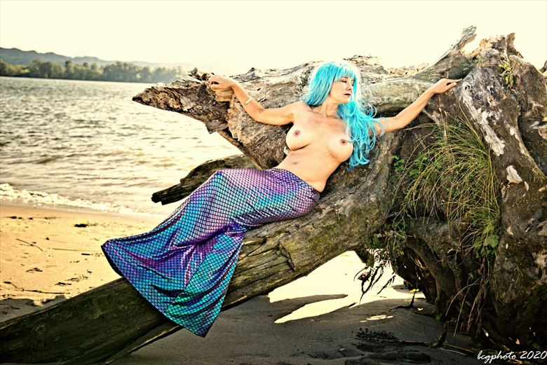 stranded mermaid artistic nude photo by photographer barry gallegos
