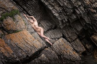 stratified artistic nude photo by photographer niall