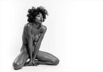 stretch artistic nude photo by photographer bo michal