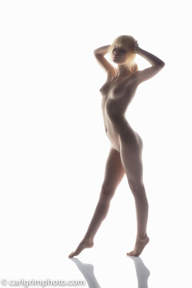 strut artistic nude photo by model kitty dawson