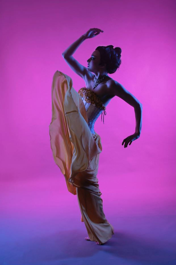 studio lighting artwork by photographer vinny arrigali