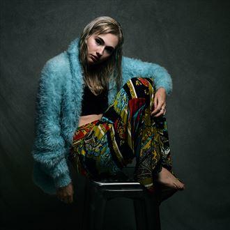 studio lighting fashion photo by photographer renimagines