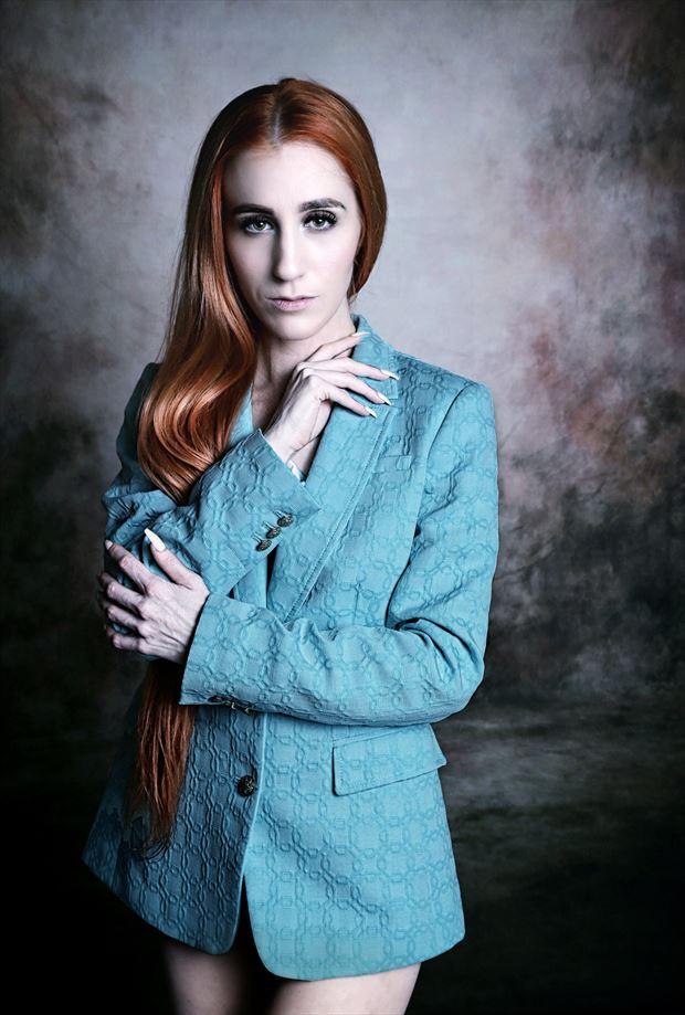 studio lighting fashion photo by photographer stevelease