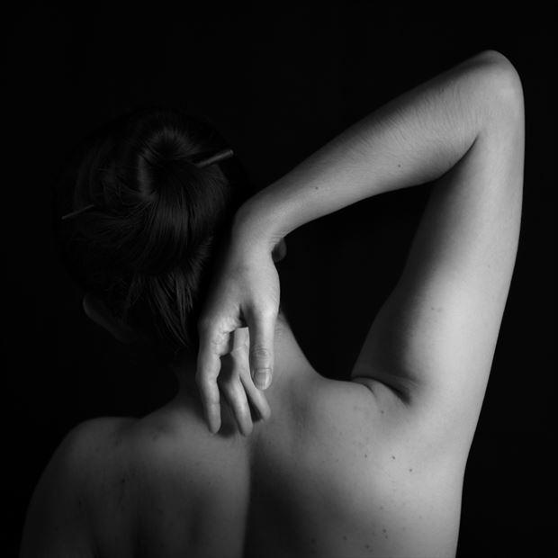 studio lighting figure study photo by photographer gregory holden