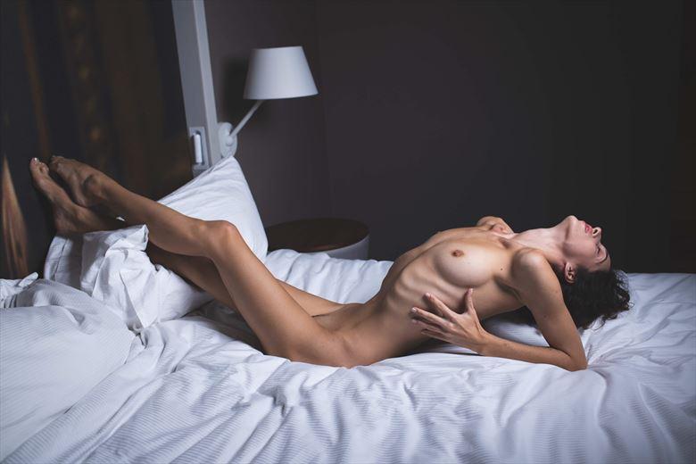 studio lighting figure study photo by photographer jwizzi