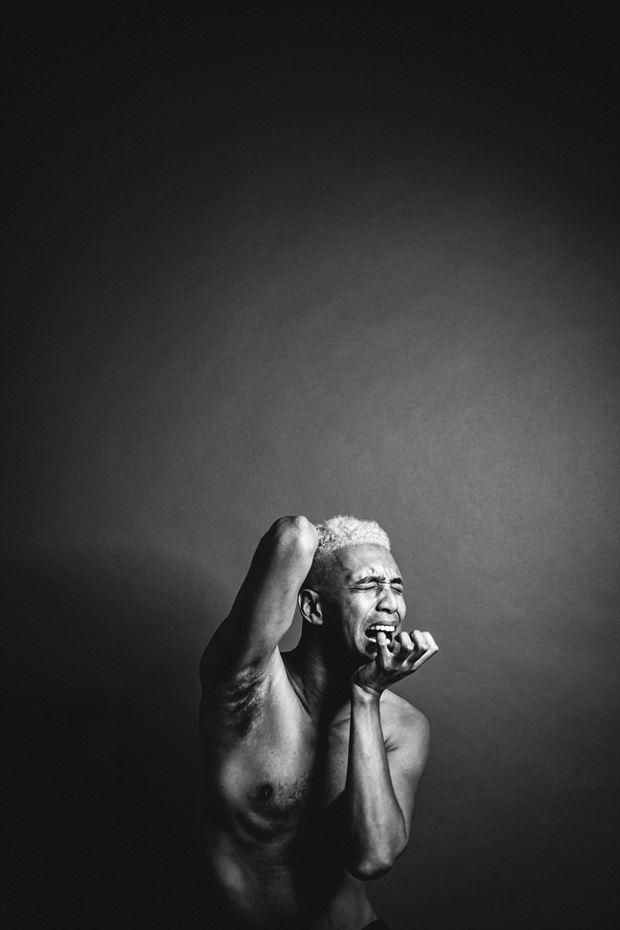studio lighting implied nude artwork by photographer rxbthephotography