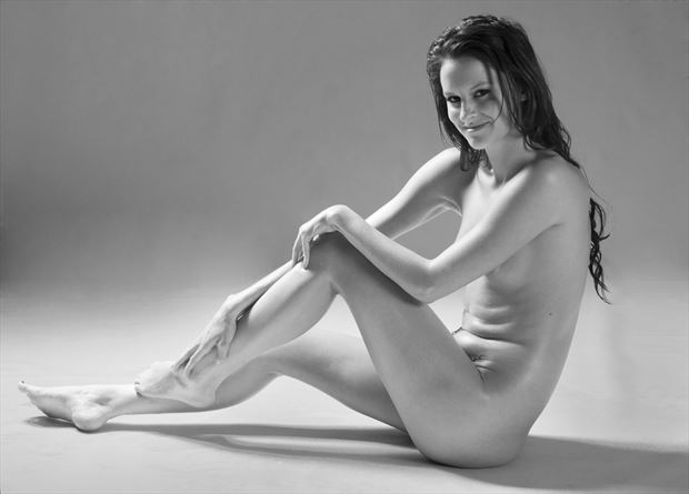 studio lighting implied nude photo by photographer castrourdiales