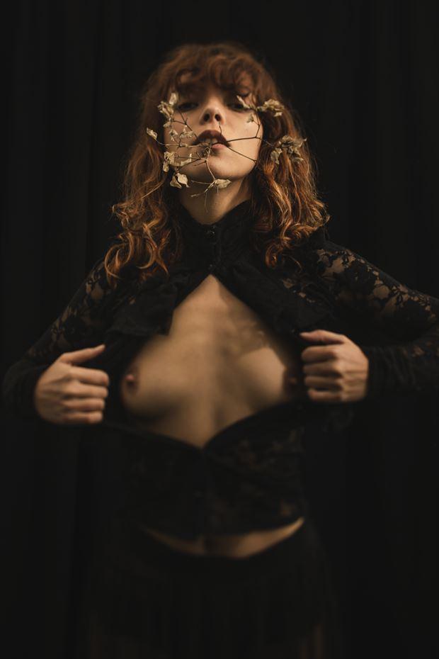 studio lighting implied nude photo by photographer filmskinn