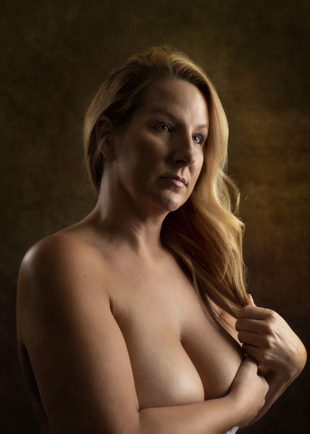 studio lighting implied nude photo by photographer montezuma