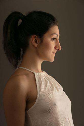 studio lighting portrait photo by model dahliahrevelry