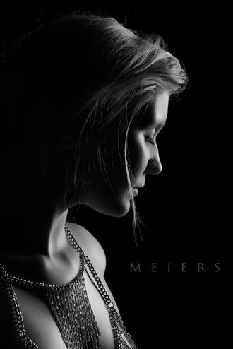 studio lighting portrait photo by photographer meiers