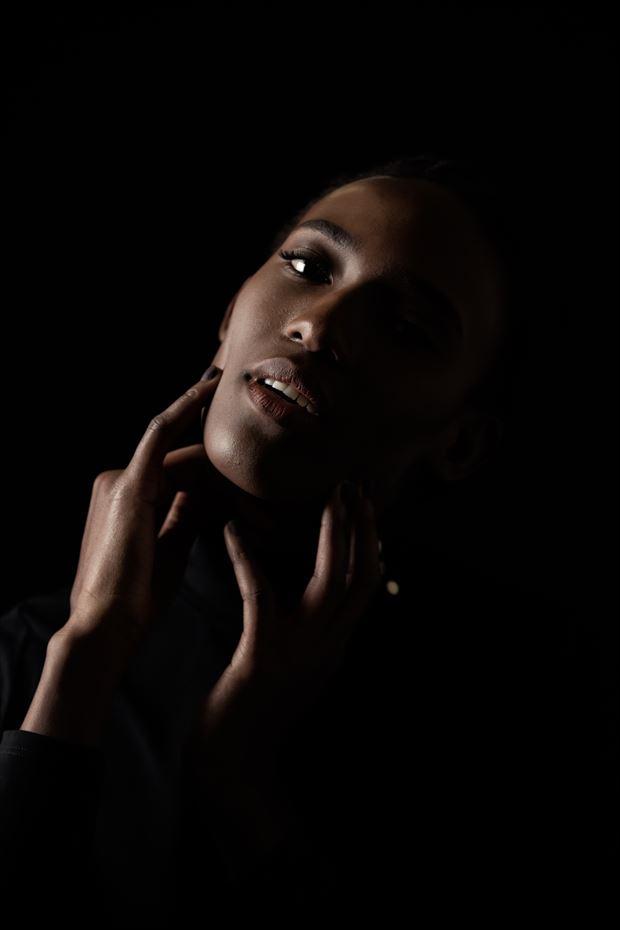 studio lighting portrait photo by photographer rick rob