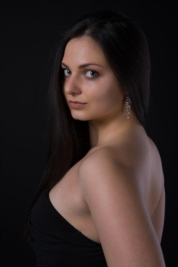 studio lighting self portrait photo by model lisa elias