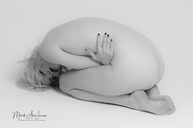 study in white artistic nude photo by photographer mark jaress