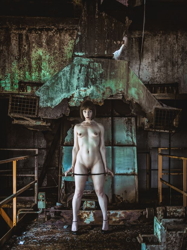 submissive artistic nude photo by photographer ceri vale