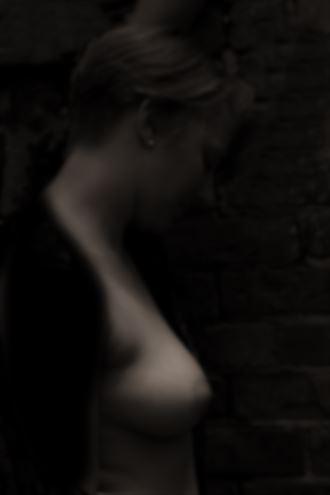 subtle light artistic nude photo by photographer ragnar