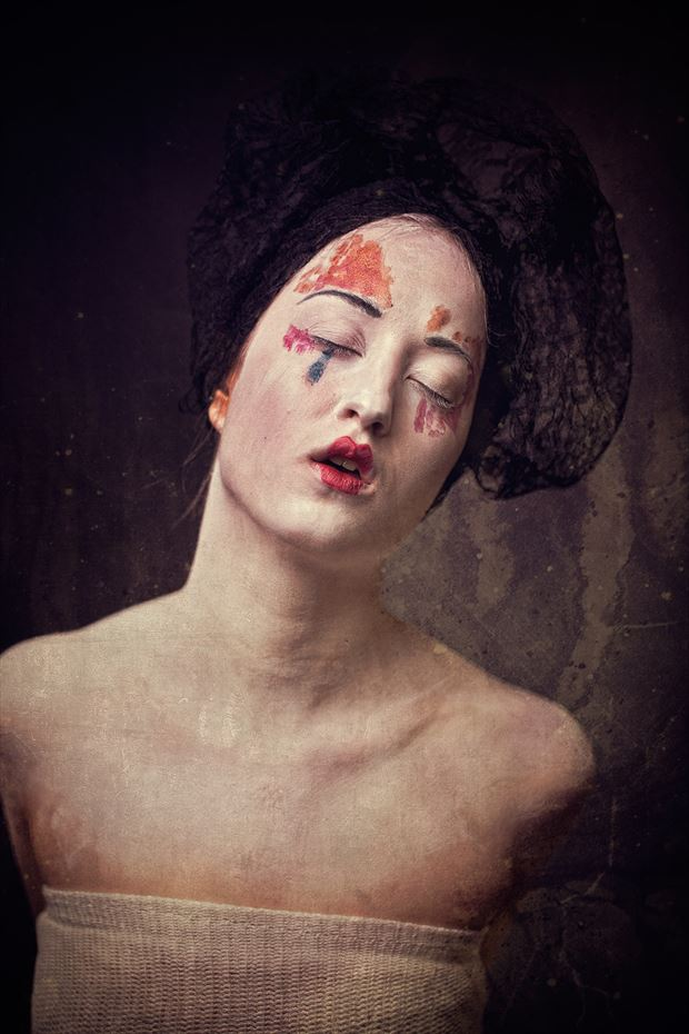 suffering paint body painting artwork by photographer j%C3%BCrgen weis