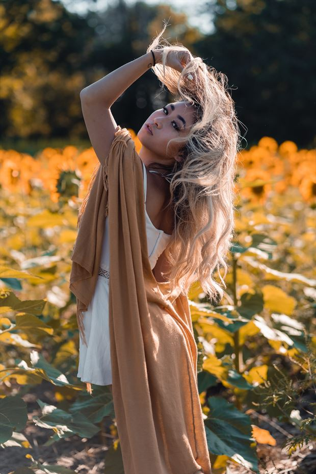 sunflower fields glamour photo by model hui ying