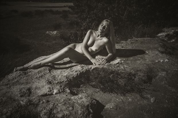 sunning erotic photo by photographer sk photo