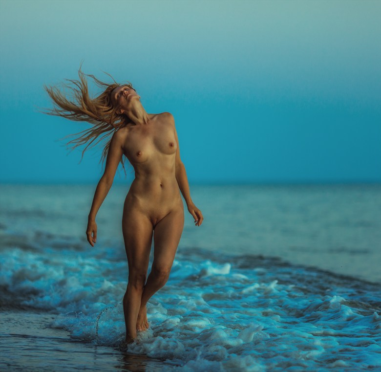 sunset on the sea Artistic Nude Photo by Photographer dml