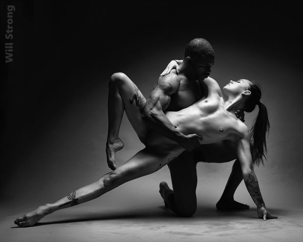 supporting contrast artistic nude photo by photographer yb2normal